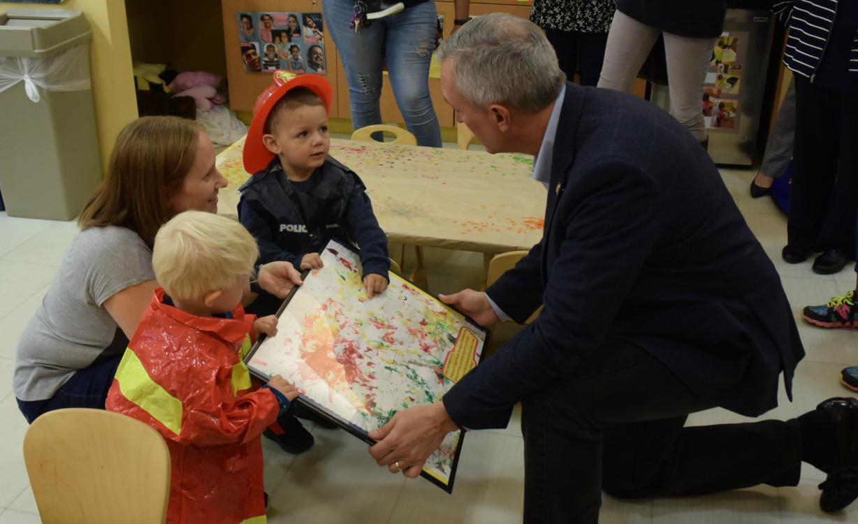Congressman at Children's Learning Center